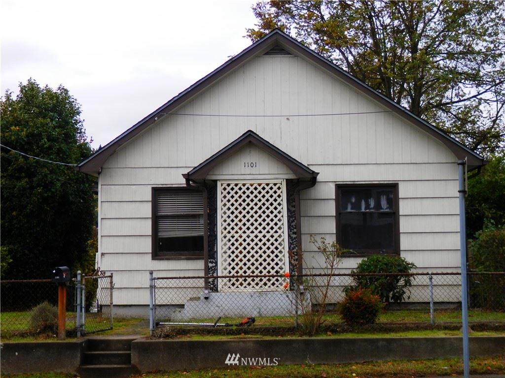 Photo of 1101 N Montgomery Avenue, Bremerton, WA 98310 (MLS # 1683059)