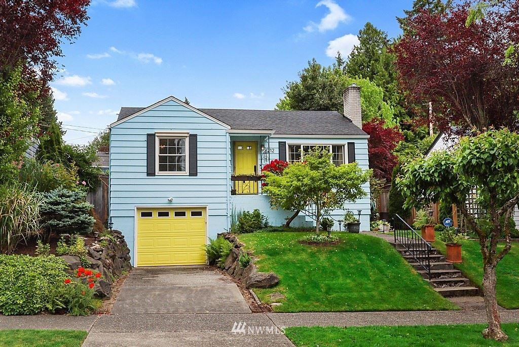 Photo of 6212 45th Avenue NE, Seattle, WA 98115 (MLS # 1776059)