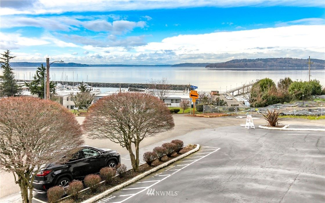 Photo of 506 S 222nd Street #4, Des Moines, WA 98198 (MLS # 1740060)