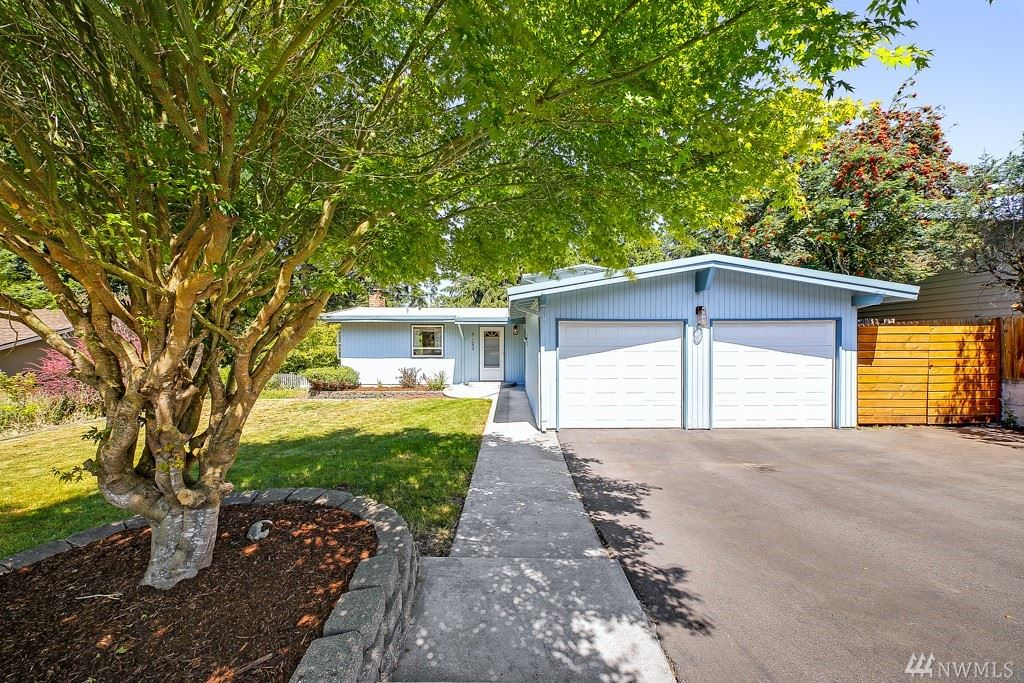 Photo of 7123 188th Place SW, Lynnwood, WA 98036 (MLS # 1638061)