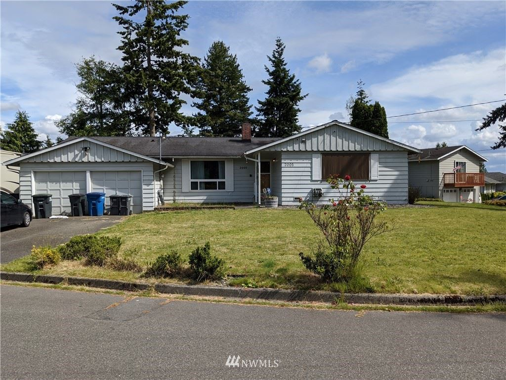 Photo of 2005 S 229th Street, Des Moines, WA 98198 (MLS # 1620062)