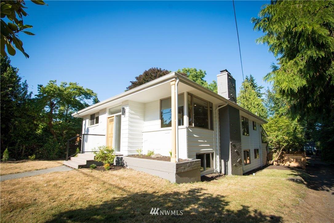 11720 Corliss Avenue N, Seattle, WA 98133 - #: 1806062