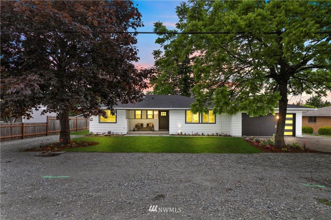 Photo of 19651 106th Avenue SE, Renton, WA 98055 (MLS # 1792063)