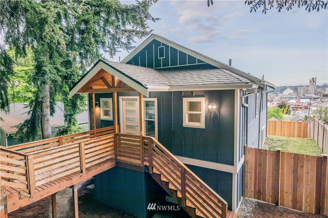 Photo of 3840 18th Avenue SW, Seattle, WA 98106 (MLS # 1762066)