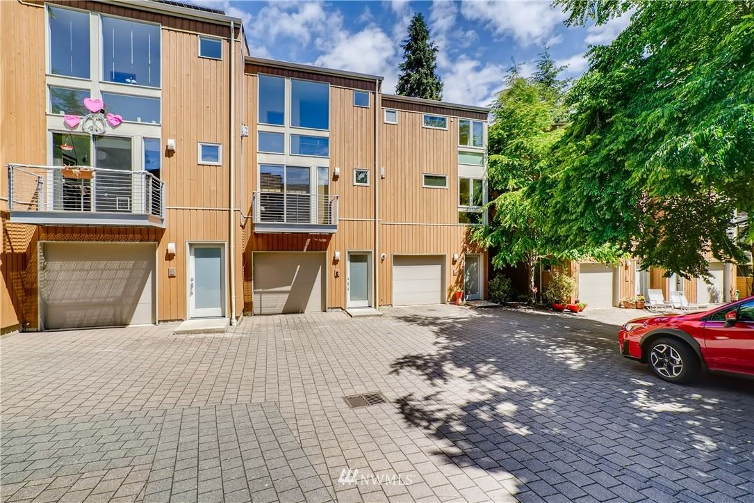 Photo of 4306 36th Avenue W #D, Seattle, WA 98199 (MLS # 1781068)