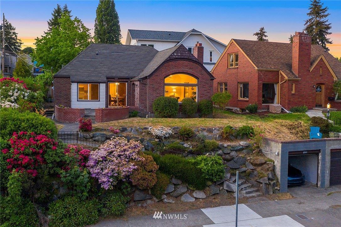 Photo of 7556 E Green Lake Drive N, Seattle, WA 98103 (MLS # 1775070)