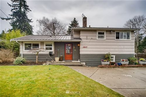Photo of 3847 136th Avenue SE, Bellevue, WA 98006 (MLS # 1739078)