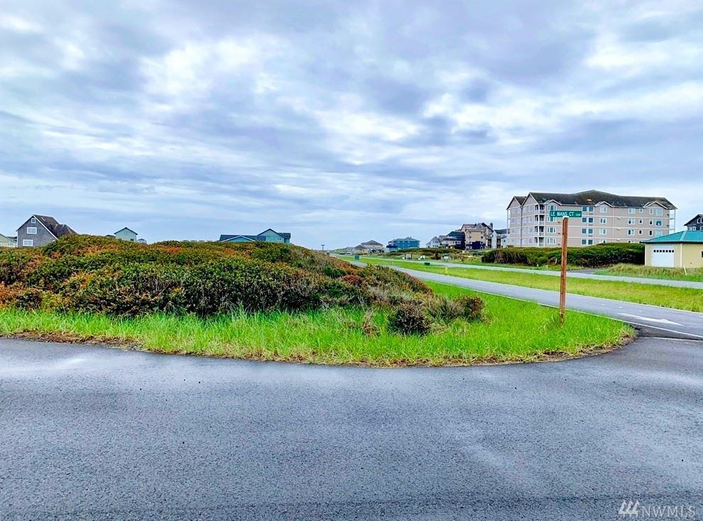 Photo of 1344 Ocean Shores Blvd, Ocean Shores, WA 98569 (MLS # 1565079)