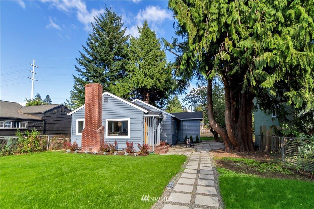 9526 Evanston Avenue N, Seattle, WA 98103 - #: 1832079