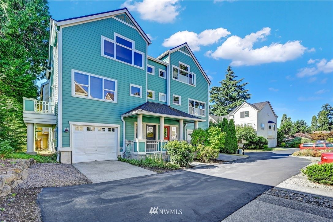 Photo of 346 Wyatt Way NE, Bainbridge Island, WA 98110 (MLS # 1645081)
