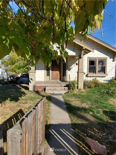 Photo of 527 Walker Avenue, Wenatchee, WA 98801 (MLS # 1682082)