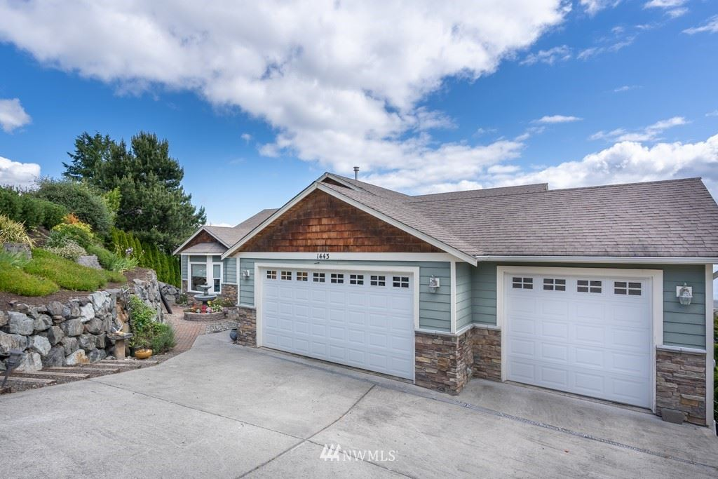 Photo of 1443 Sloan Place, Camano Island, WA 98282 (MLS # 1790085)