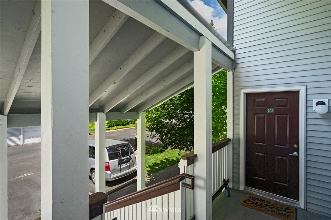 Photo of 23315 Cedar Way #M202, Mountlake Terrace, WA 98043 (MLS # 1782086)