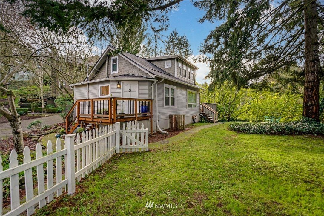 Photo of 4001 SW Myrtle Street, Seattle, WA 98136 (MLS # 1723087)