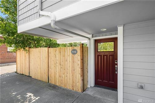 Photo of 934 17th Ave, Seattle, WA 98122 (MLS # 1639088)