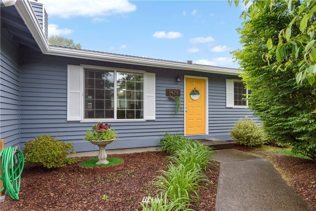 Photo of 1429 227th Place SW, Bothell, WA 98021 (MLS # 1757103)