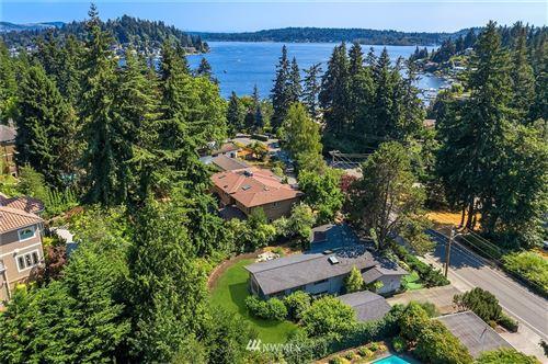 Photo of 800 Lake Washington Boulevard NE, Bellevue, WA 98004 (MLS # 1815105)