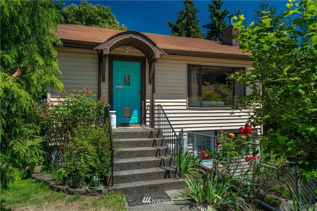 Photo of 8538 Ashworth Avenue N, Seattle, WA 98103 (MLS # 1794105)