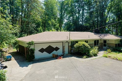 Photo of 1095 Newport Wy NW, Issaquah, WA 98027 (MLS # 1638106)