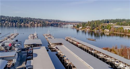 Photo of 3911 Lake Washington Blvd SE #D12, Bellevue, WA 98006 (MLS # 1604108)