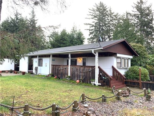 Photo of 1909 195th St, Long Beach, WA 98631 (MLS # 1552109)