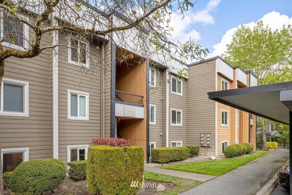 Photo of 712 Kirkland Circle #A103, Kirkland, WA 98033 (MLS # 1767109)