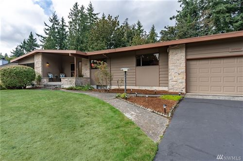 Photo of 19227 46th Ave NE, Lake Forest Park, WA 98155 (MLS # 1515114)