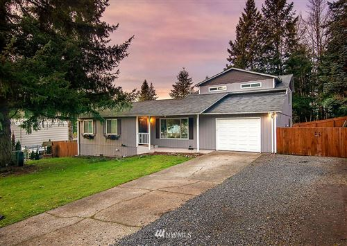 Photo of 105 Shadywood Lane, Kelso, WA 98626 (MLS # 1719114)