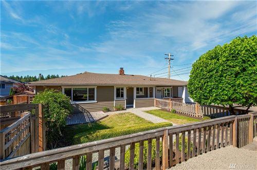 Photo of 14440 SE 37th St, Bellevue, WA 98006 (MLS # 1621115)