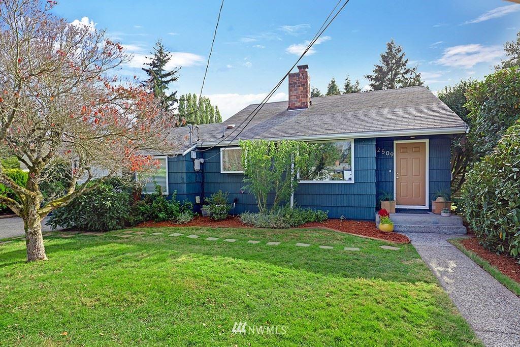 Photo of 2509 SW 114th Street, Seattle, WA 98146 (MLS # 1682115)