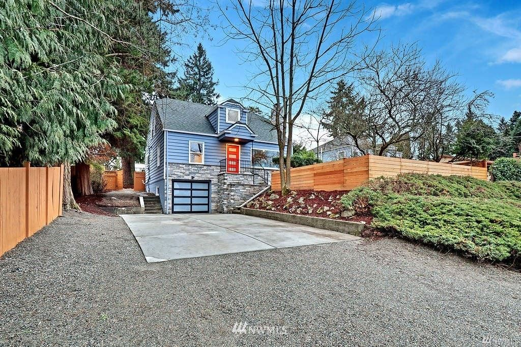 Photo of 12046 12th Avenue NE, Seattle, WA 98125 (MLS # 1790116)