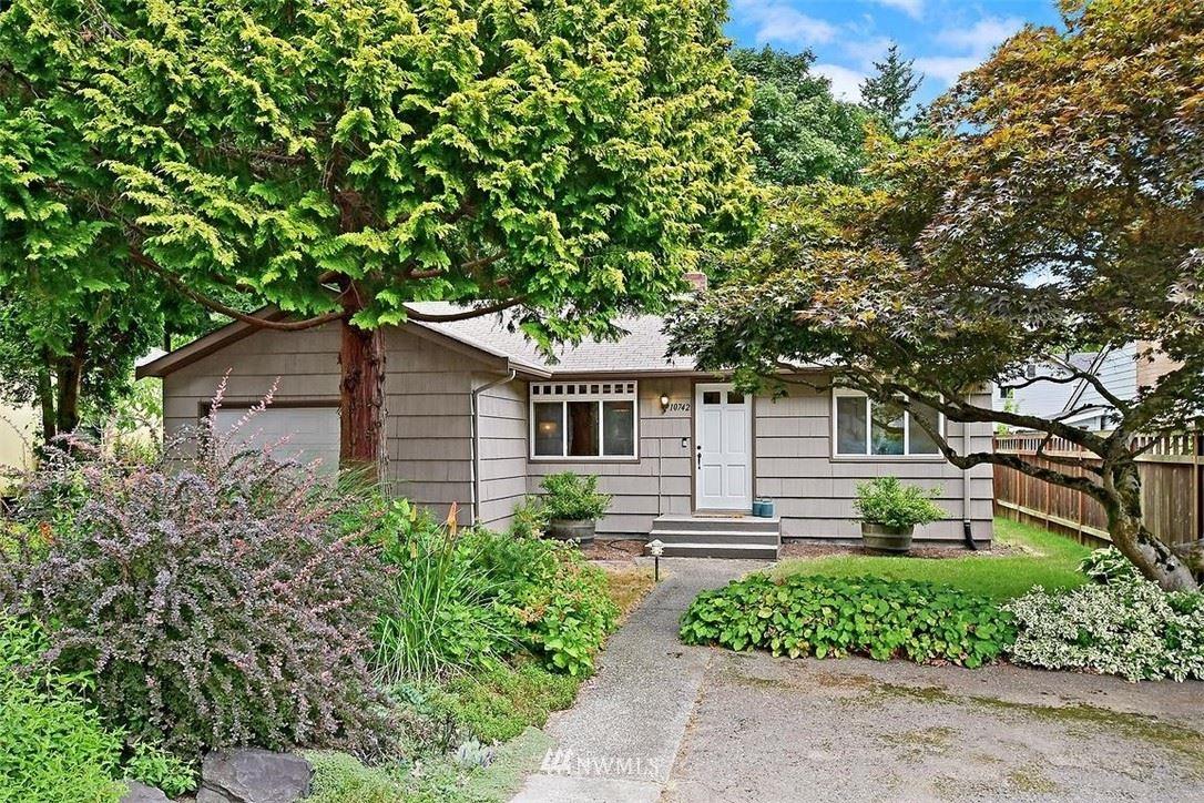 10742 Dayton Avenue N, Seattle, WA 98133 - #: 1810117