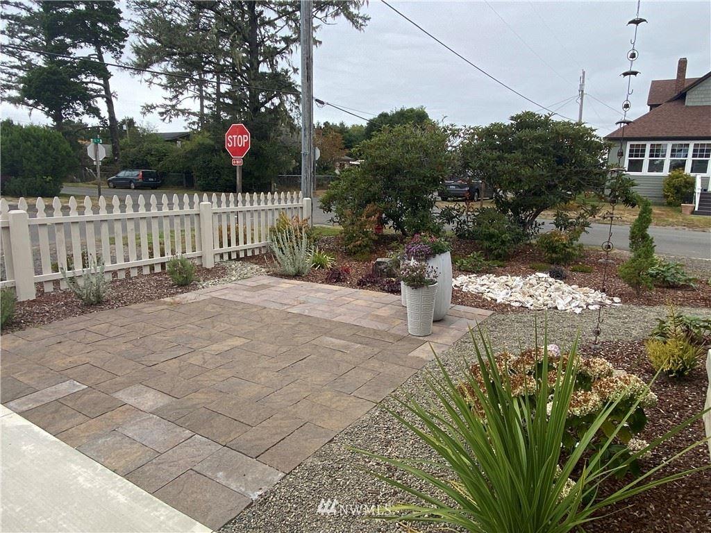 Photo of 1204 51 Street, Seaview, WA 98644 (MLS # 1839121)