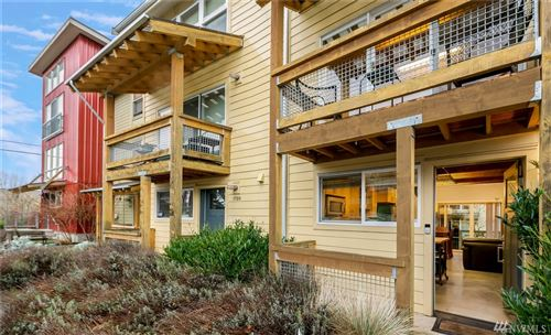 Photo of 1724 SW Barton St, Seattle, WA 98106 (MLS # 1556123)