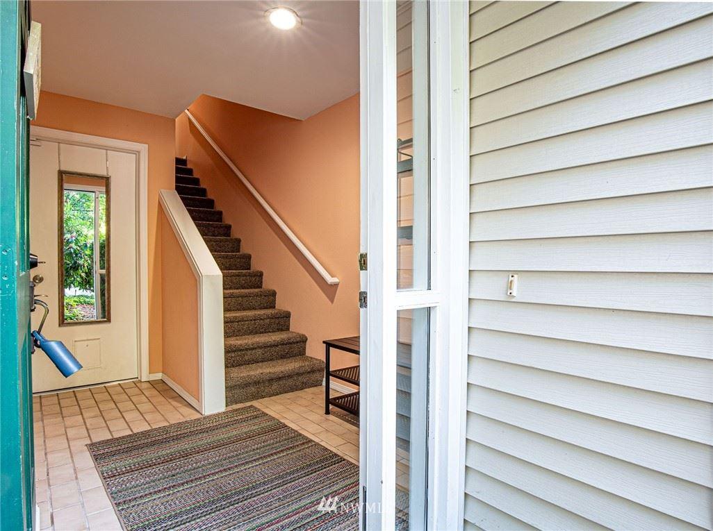 Photo of 12809 102nd Avenue NE, Kirkland, WA 98034 (MLS # 1787123)