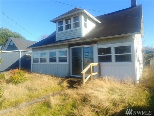 Photo of 1108 Washington Ave S, Long Beach, WA 98631 (MLS # 1550126)