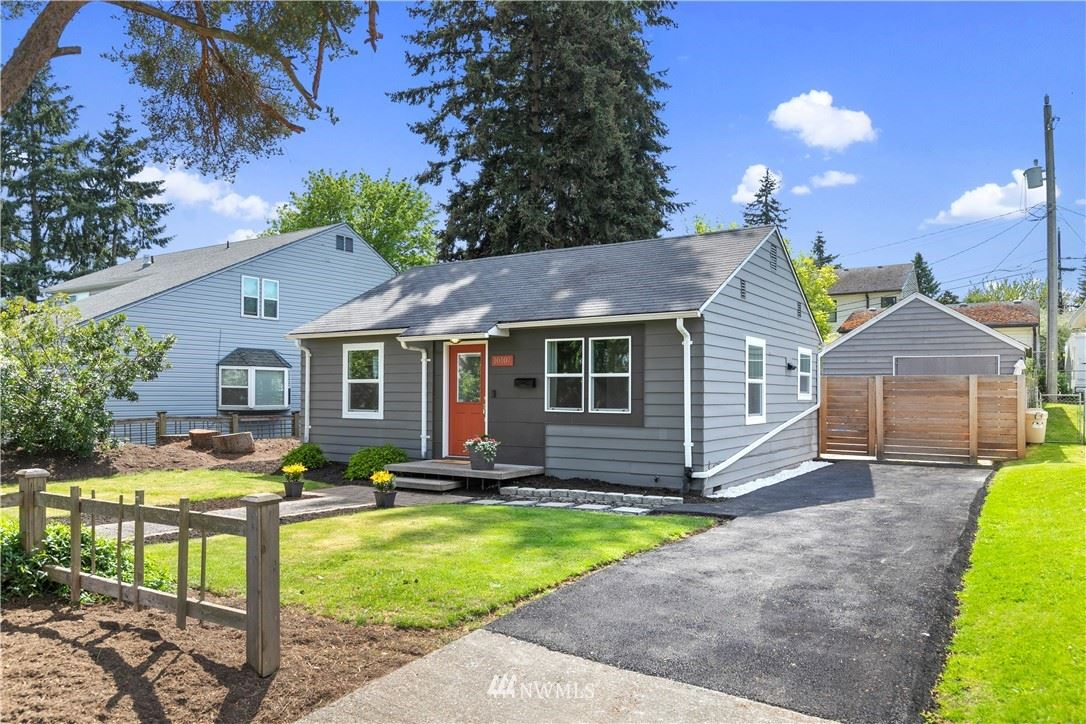 Photo of 10107 34th Avenue SW, Seattle, WA 98146 (MLS # 1765128)