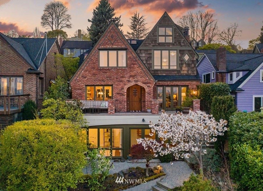 Photo of 711 37th Avenue, Seattle, WA 98122 (MLS # 1756129)