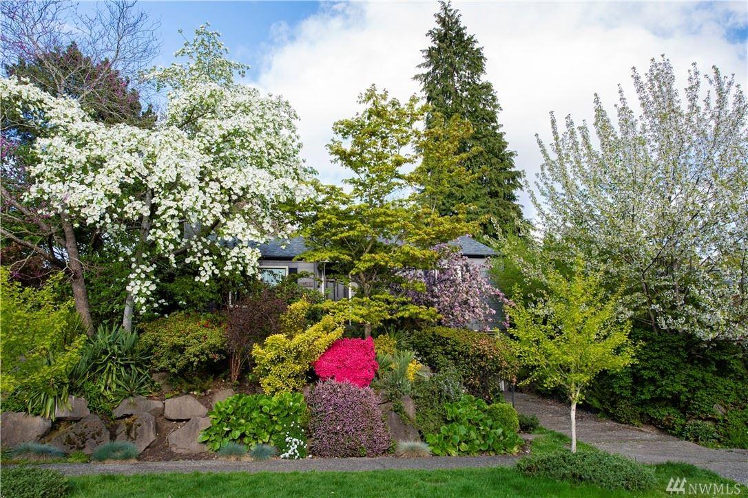 Photo of 6218 Vassar Avenue NE, Seattle, WA 98115 (MLS # 1625131)