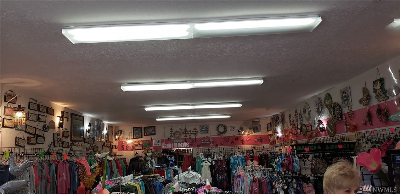 Photo of 111 Pacific Ave S, Long Beach, WA 98631 (MLS # 1564133)