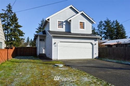 Photo of 915 110th Street S, Tacoma, WA 98444 (MLS # 1736135)