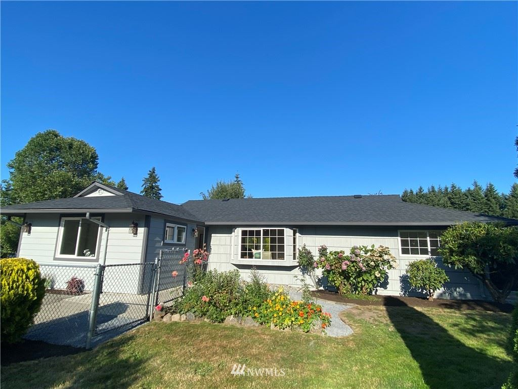 Photo of 5806 214th Street SW, Mountlake Terrace, WA 98043 (MLS # 1647136)