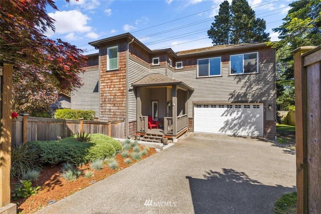 Photo of 11224 Fremont Avenue N, Seattle, WA 98133 (MLS # 1770136)