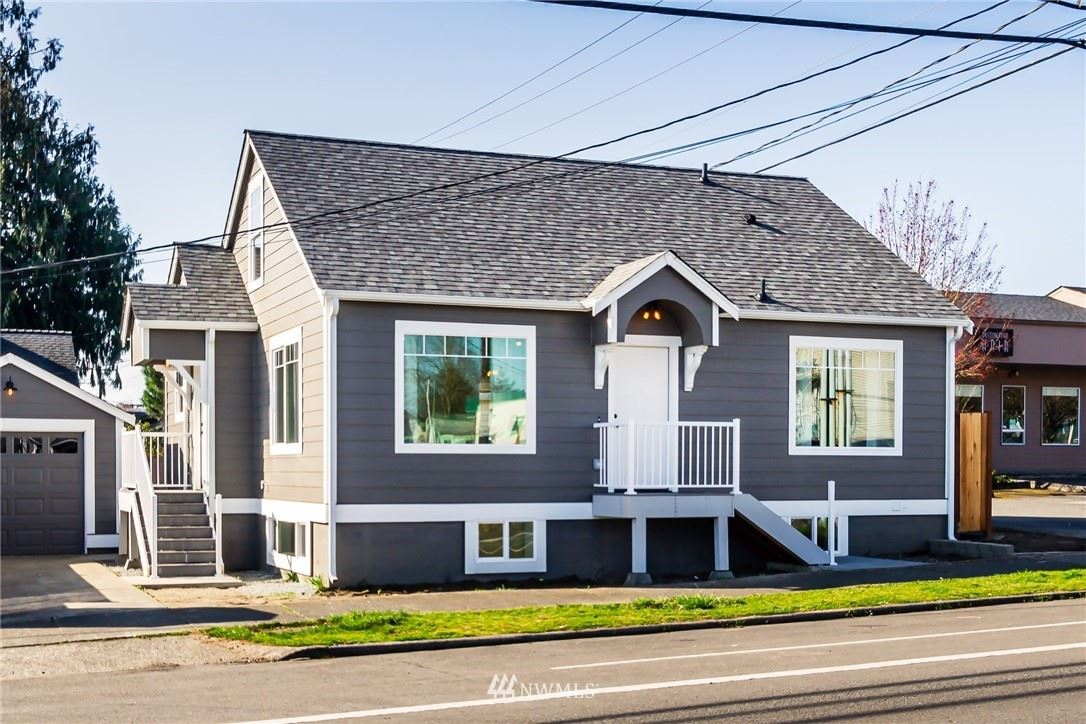 Photo of 1712 19th Street, Everett, WA 98201 (MLS # 1749140)