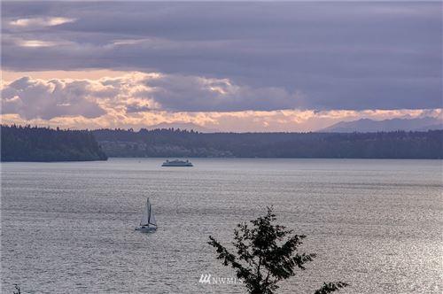 Photo of 5814 Overlook Avenue NE, Tacoma, WA 98422 (MLS # 1737142)