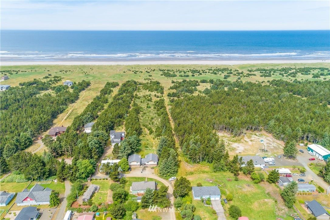 Photo of 1301 103rd Lane, Long Beach, WA 98631 (MLS # 1617143)