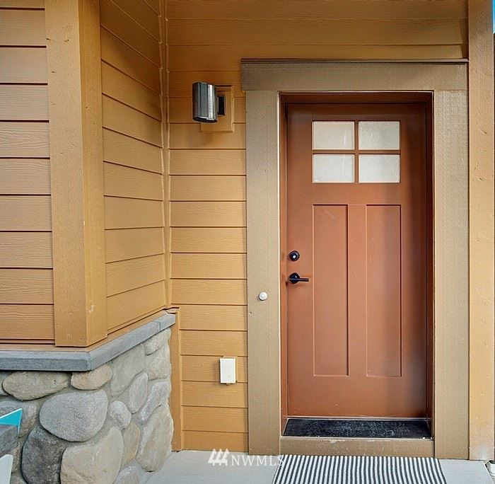Photo of 1070 Collier Place SW, Issaquah, WA 98027 (MLS # 1766145)