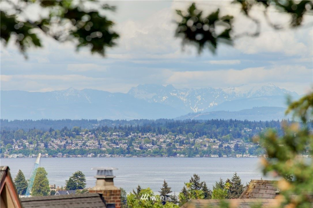 Photo of 2059 E Crescent Drive, Seattle, WA 98112 (MLS # 1771147)