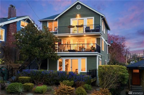 Photo of 2438 W Lynn St, Seattle, WA 98199 (MLS # 1583150)
