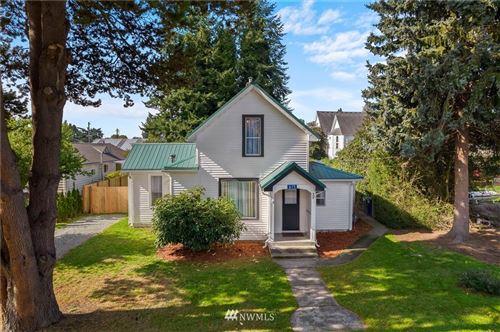 Photo of 615 S Holly Street, Burlington, WA 98233 (MLS # 1848150)